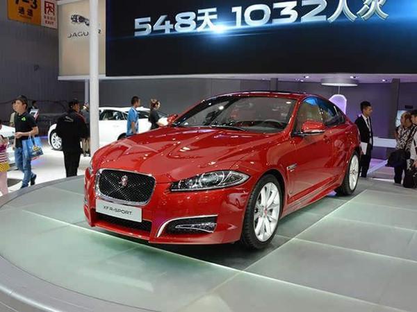 捷豹xf在车身设计上保留了英国老牌豪车传承的运动气质,更有高清图片