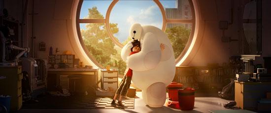 《超能陆战队》剧照:大白给你暖暖的拥抱