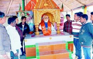"""印度人民建造的""""莫迪神庙"""",供奉了""""莫迪真人像"""""""