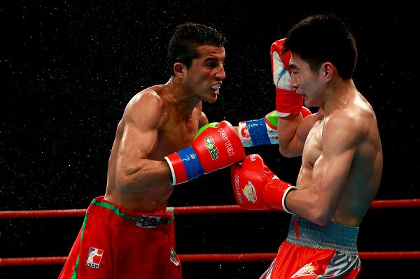 图文:WSB世界拳击联赛刁剑豪晋级 比赛瞬间