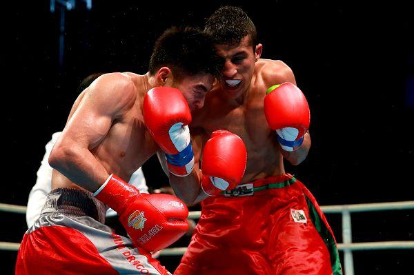 图文:WSB世界拳击联赛刁剑豪晋级 较量中