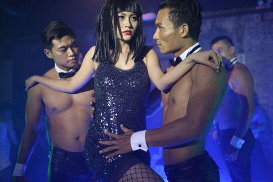 越南导演潘党迪新片《大爸爸小爸爸及其他》再次聚焦了情爱世界里的弱势群体----同性恋