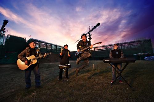 新工人艺术团:要唱出工人自己的音乐