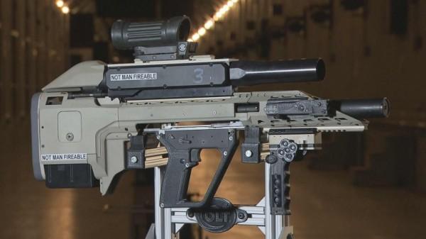 该智能武器早在2009年开始就进行了研发,作为士兵综合精密影响系统(SIPES)项目的一部分,由CAF的国防研究与发展部(DRDC)和柯尔特加拿大(