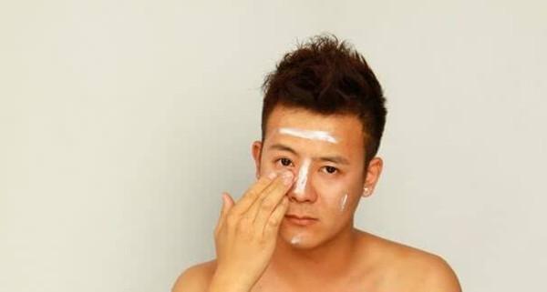 男生出门化妆步骤图片