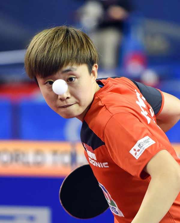 图文:乒乓球卡塔尔公开赛 冯天薇在比赛中