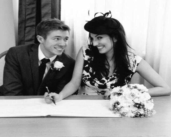两人注册结婚