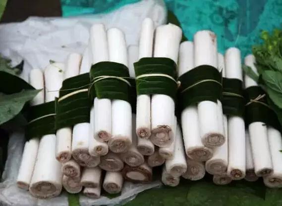 它是哈萨克民族手工制作的一种奶制品,具有奶味浓郁的特点.