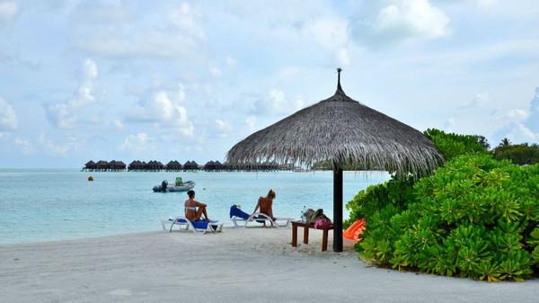 旅游 正文  双鱼岛东面的海滩是全岛海滨浴场的精华.