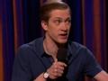 《柯南秀片花》丹尼尔重回舞台搞笑讲段子 猥琐动作笑翻全场
