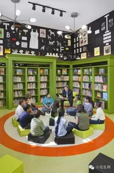"""美国密苏里州圣路易斯儿童博物馆中的""""神奇书屋"""",楼梯是不是很有意思"""
