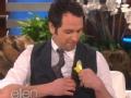 《艾伦秀第12季片花》S12E114 马修胸前插水仙遭调侃