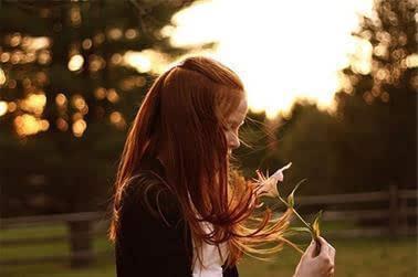 当一个女人不需要你的呵护诗句_一个不需要爱情的女人_女生网名_扣扣乐