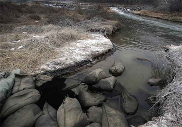 2013年12月31日,位于山西长治境内的化工厂发生苯胺泄漏