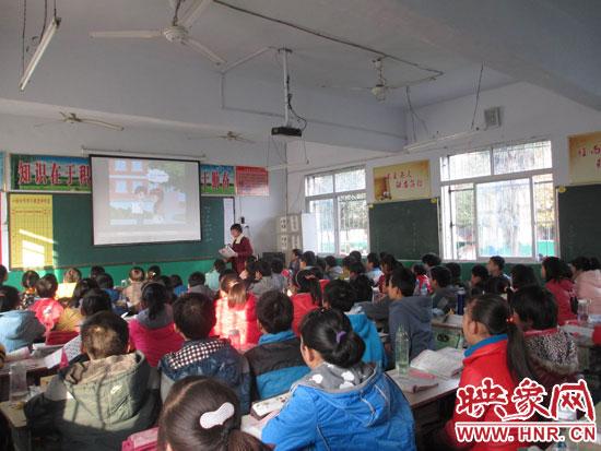 邓州市刘集镇一年度碾过灿烂迎a年度个人物理教师初中初中v年度述职图片