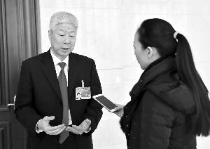 徐安接受现代快报记者采访 现代快报特派记者 李雨泽 摄