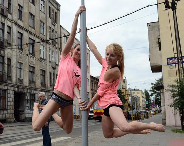 波兰钢管街头美女舞,惊艳手机,改变了小编对钢超美女壁纸全国清1080p