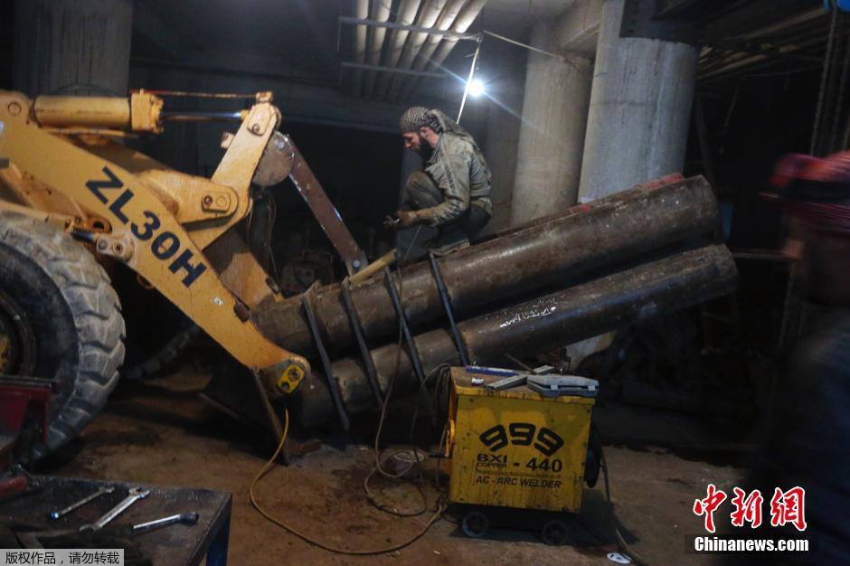 叙利亚 挖掘机/2015年3月11日消息,叙利亚政府军与反对派之间的冲突一直没有...