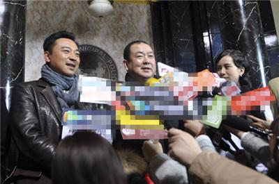 张��临、刘江接受采访