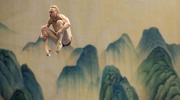 图文:国际泳联跳水赛北京站 扎哈罗夫表情��