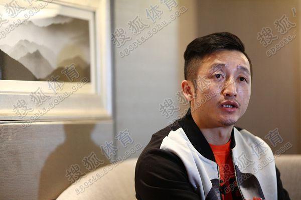 图文:搜狐专访邹市明 眼泛泪光
