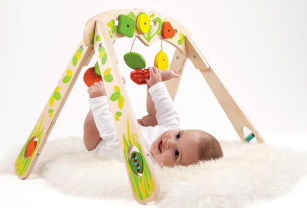 0-6个月,买哪些小玩具宝宝喜欢还能助益成长?