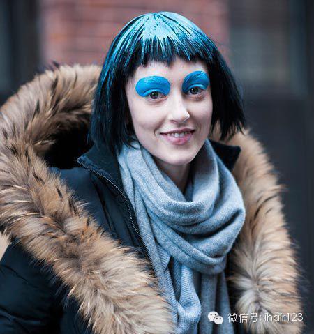 街拍潮女最新发型颜色!查看了,有木有?华为手机怎样夸张摄像头型号图片