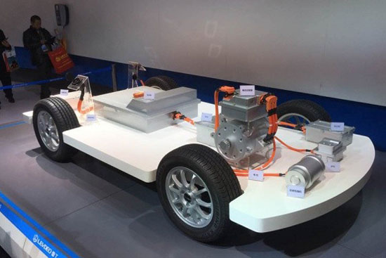 搭载锂电池的雷丁电动车车身结构-雷丁D70i V60i上市 U Car系统成整高清图片