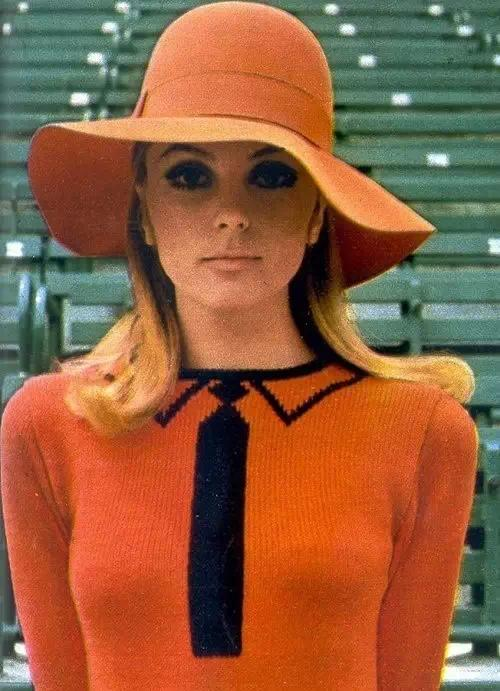 50年代纽约联合广场上的模特摆拍