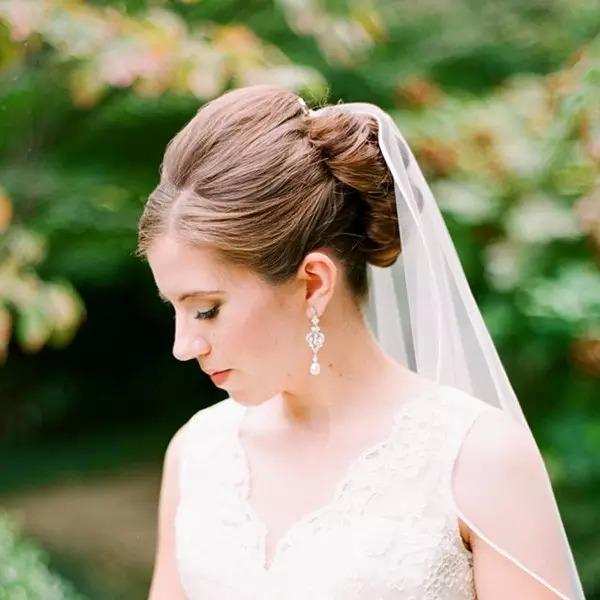 18款新娘发型,衬托你的完美头纱图片