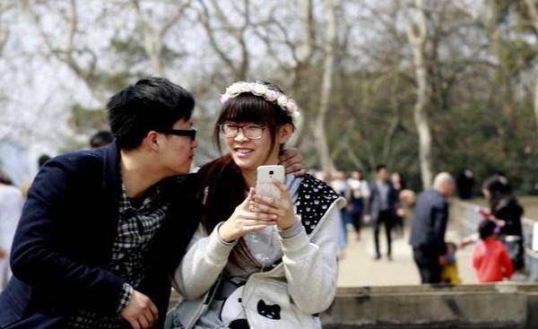 据说 在武大看场人海 是每一朵樱花的梦想