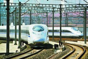 坐高铁去杭州方便、准点。