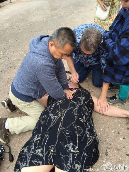 唐子人做胸外按压CPR
