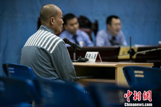 原广东省委统战部长黄少雄减刑案开庭 范贞 摄