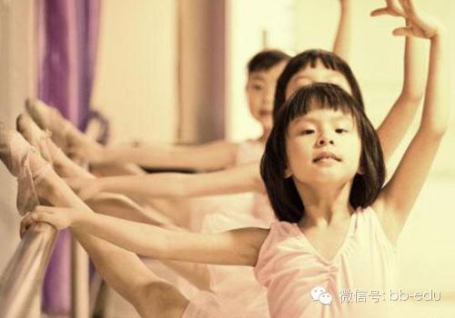 难以置信 11岁女孩震撼人心的舞蹈犹如精灵上身图片