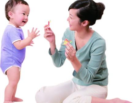 谎话终结者:看新手妈妈最等闲上当的30条育儿谎话