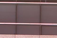 F5.6光圈能24mm F1.4(左)和适马24mm F1.4(右)样张100%放大截图