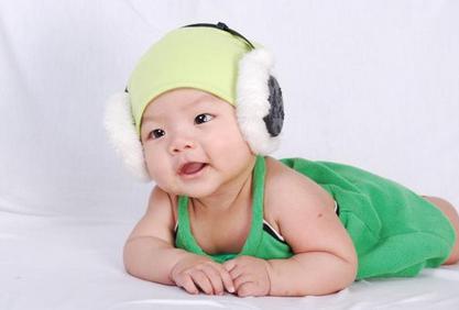 注意:宝宝四个月添加辅食很重要!