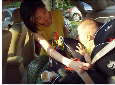 使用儿童安全座椅可以将汽车碰撞事故中孩子的死亡率