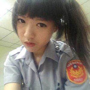 新北彭厝派出所警察许恬恬造型美丽,曾负责外拍模特儿。图/台湾《结合报》