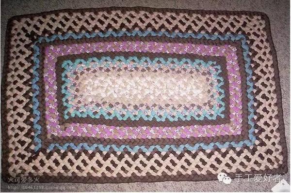 家居一道亮丽的风景---旧衣服布条编织的地垫
