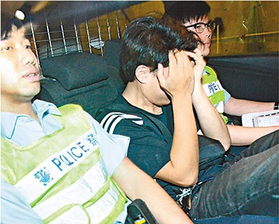涉嫌药驾的客货车司机被捕带署。