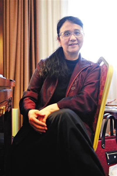 4月1日,前门开国饭馆,旅美华裔招思虹承受记者采访。新京报记者 王嘉宁 摄