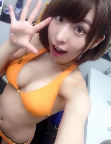 日本自拍大赛第二季 美女露大尺度内衣内裤照组图