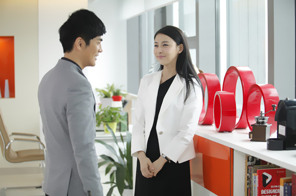 《妻子的谎言》热播 贾青张晓龙搭档完美cp组合图片