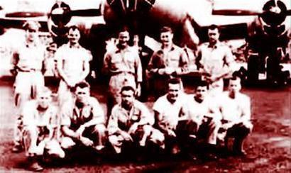 被击落的美军 B29 轰炸机上的全体飞行员。