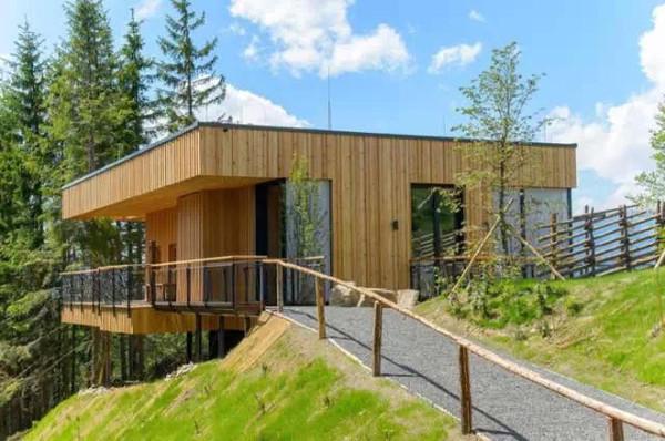 思越木结构 凌驾高处的山间奢华木屋