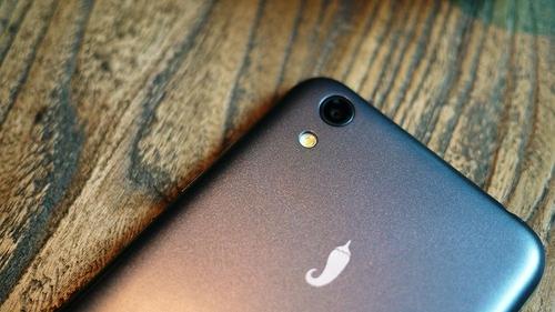 后置摄像头达到800w像素,200+800的像素组合,居然在一款399的手机上出现,确实是良心手机。