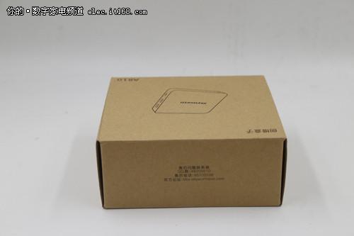 """a810仍然延续了方方正正的""""盒子""""造型,以及颇具金属质感的表面喷涂图片"""
