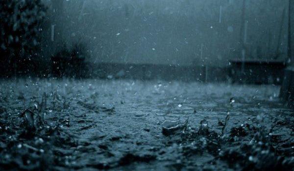 下雨天唯美意境图片